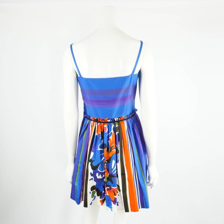 Valentino Blue and Multi Print Dress with Pockets - 42 In Excellent Condition For Sale In Palm Beach, FL