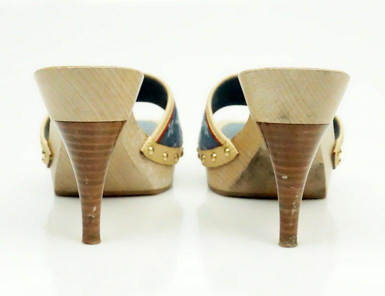 Beige Louis Vuitton Denim Printed Slides - 37 For Sale