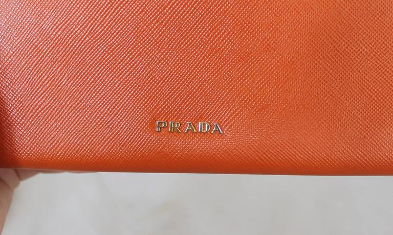 Prada Orange Saffiano Wallet w/ Orange Stones & Rhinestones GHW In Excellent Condition For Sale In Palm Beach, FL