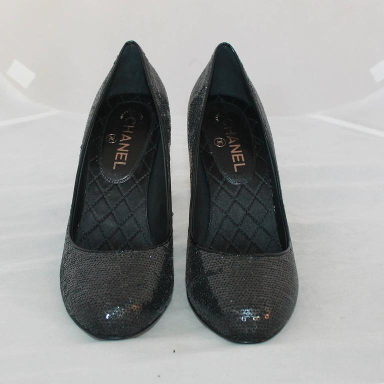 Chanel Black Sequin Pumps w/ Quilted Interior - Never Worn - 40 In New never worn Condition For Sale In Palm Beach, FL