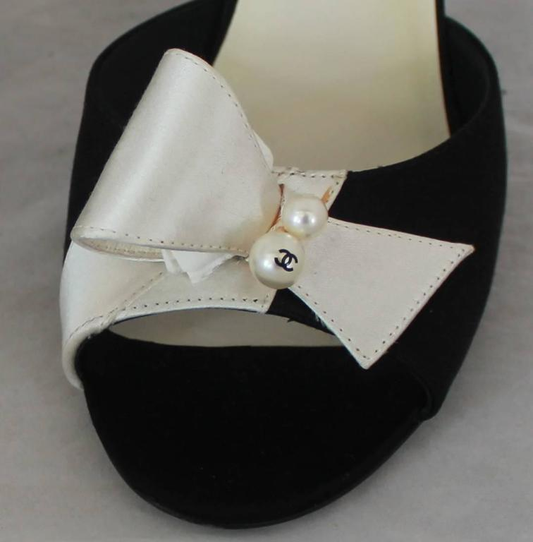 Chanel Black & Ivory Satin Open-Toe Sling Back Sandals w/ Front Bow - 40 7