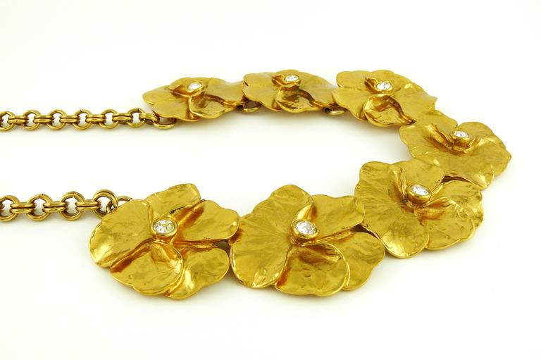 Yves Saint Laurent YSL Jewelled Gold Tone Pansy Necklace In Excellent Condition For Sale In Nice, FR