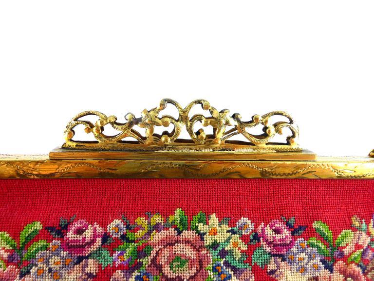 Vintage Floral Tapestry Handbag For Sale 1