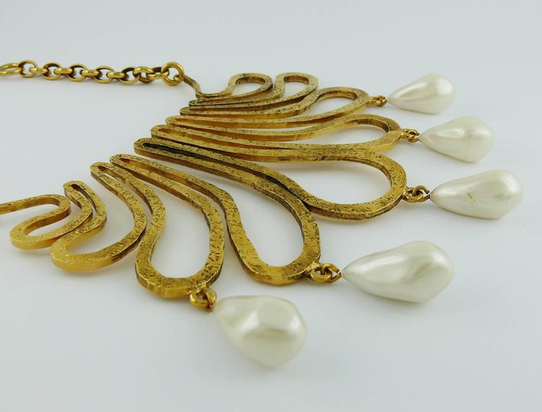 Chanel Vintage 1990s Gorgeous Gold Toned Arabesque Bib Necklace In Excellent Condition For Sale In French Riviera, FR