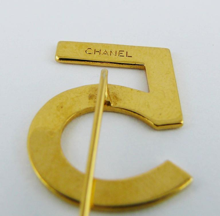 Chanel Vintage N°5 Gold Toned Lapel Pin For Sale 3