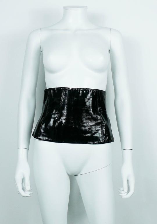 Chanel Black Patent Leather Corset Belt Fall/Winter 2001 Size 36 For Sale 1