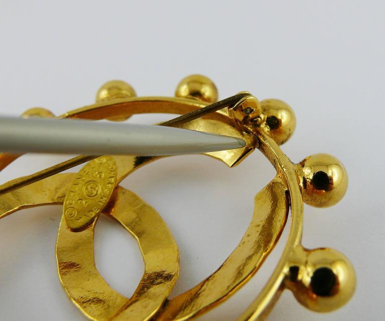Chanel Vintage 1990 Massive Gold Toned CC Brooch For Sale 5