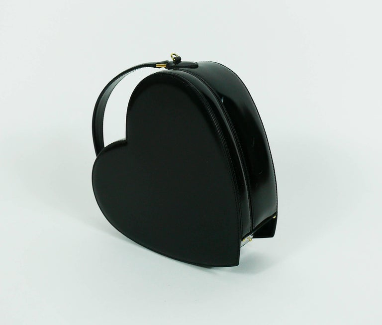 Women's Moschino Vintage Rare Iconic Black Patent Leather Heart Bag For Sale