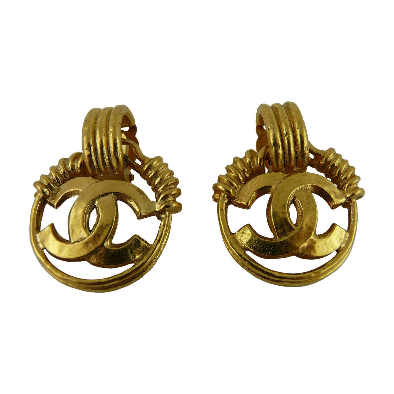 chanel vintage twisted wire cc logo dangling earrings at