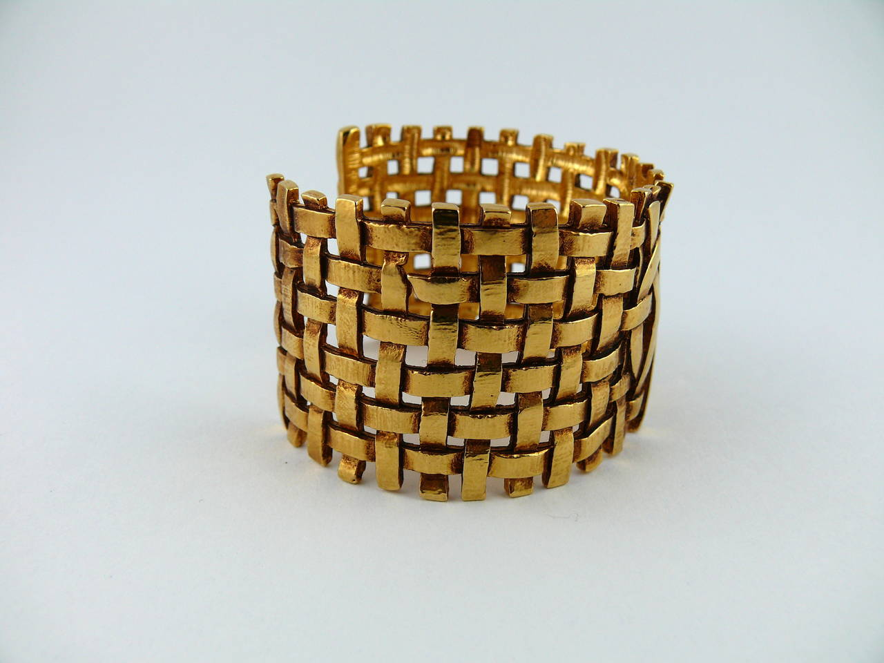 Women's Yves Saint Laurent YSL Vintage Gold Toned Woven Cuff Bracelet For Sale