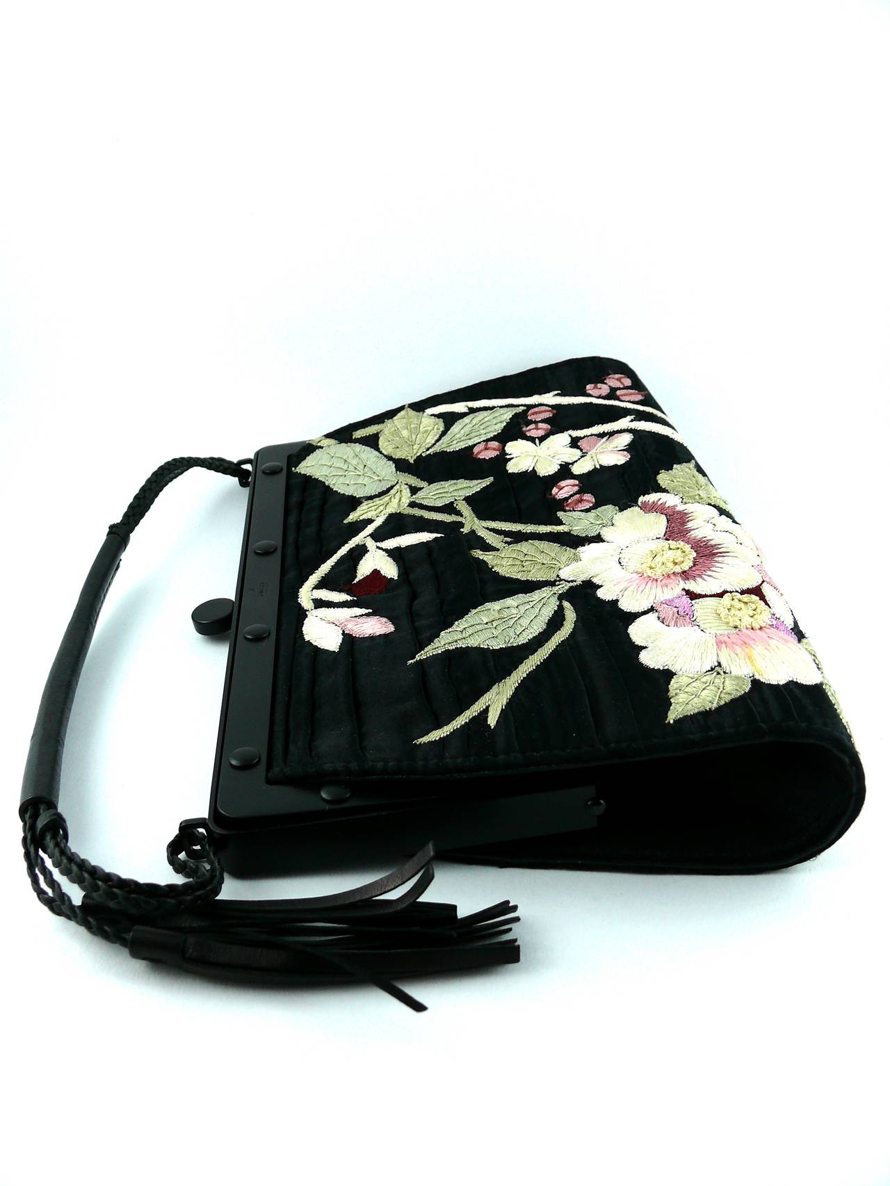 Gucci by Tom Ford Rare Embroidered Japanese Flower Style Silk Handbag 3