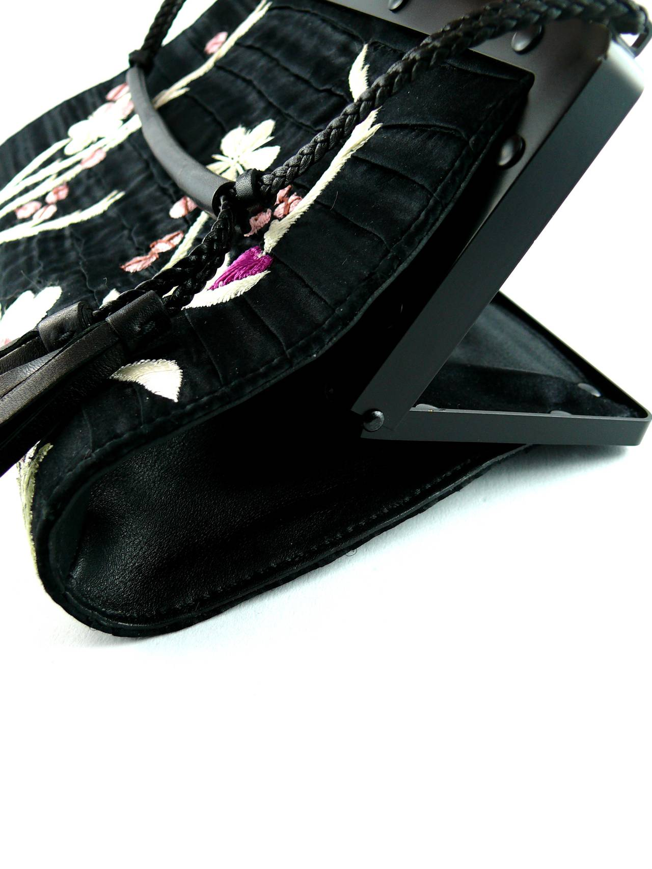 Gucci by Tom Ford Rare Embroidered Japanese Flower Style Silk Handbag 7