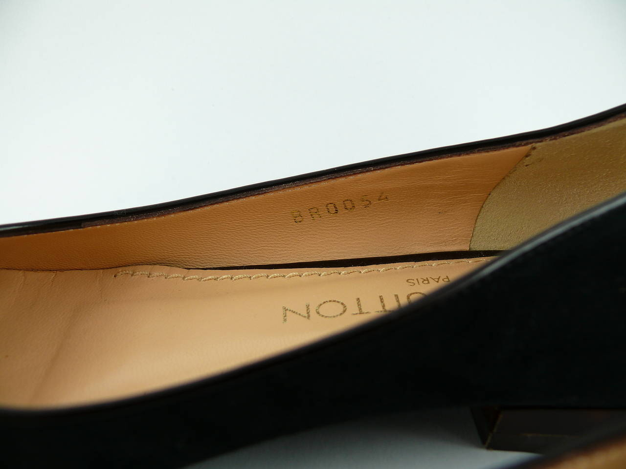 Louis Vuitton Black Suede and Resin Flower Ballet Flat IT 34 1/2 - US 5 1/2 For Sale 3