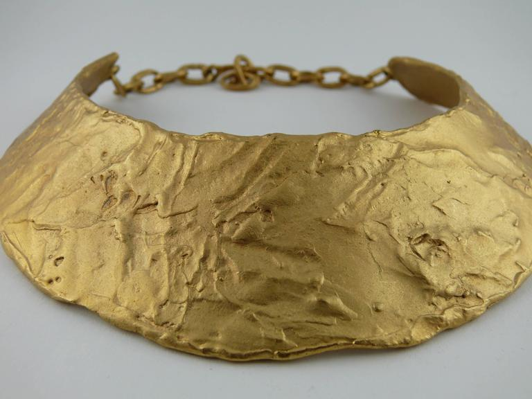 BICHE DE BERE Paris vintage rigid brutalist collar necklace.