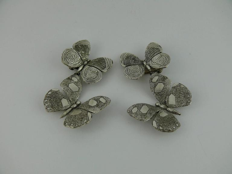 Jean Paul Gaultier Vintage Silver Tone Butterfly Dangling Earrings In Excellent Condition For Sale In Nice, FR