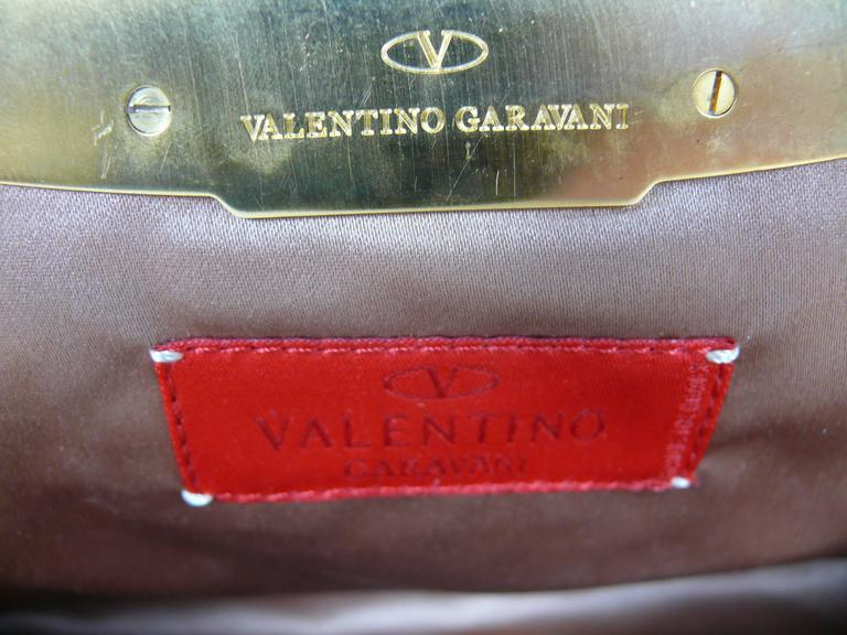 Valentino Garavani Vintage Embroidered Leather Clutch Purse In Good Condition For Sale In French Riviera, Nice