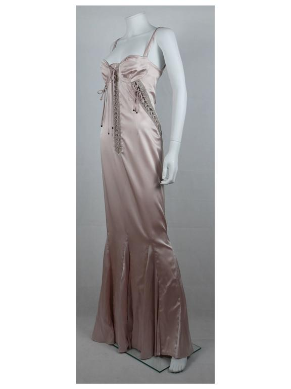 Dolce & Gabbana Runway Nude Lace Up Gown Dress Spring/Summer 2003 In Good Condition For Sale In French Riviera, Nice