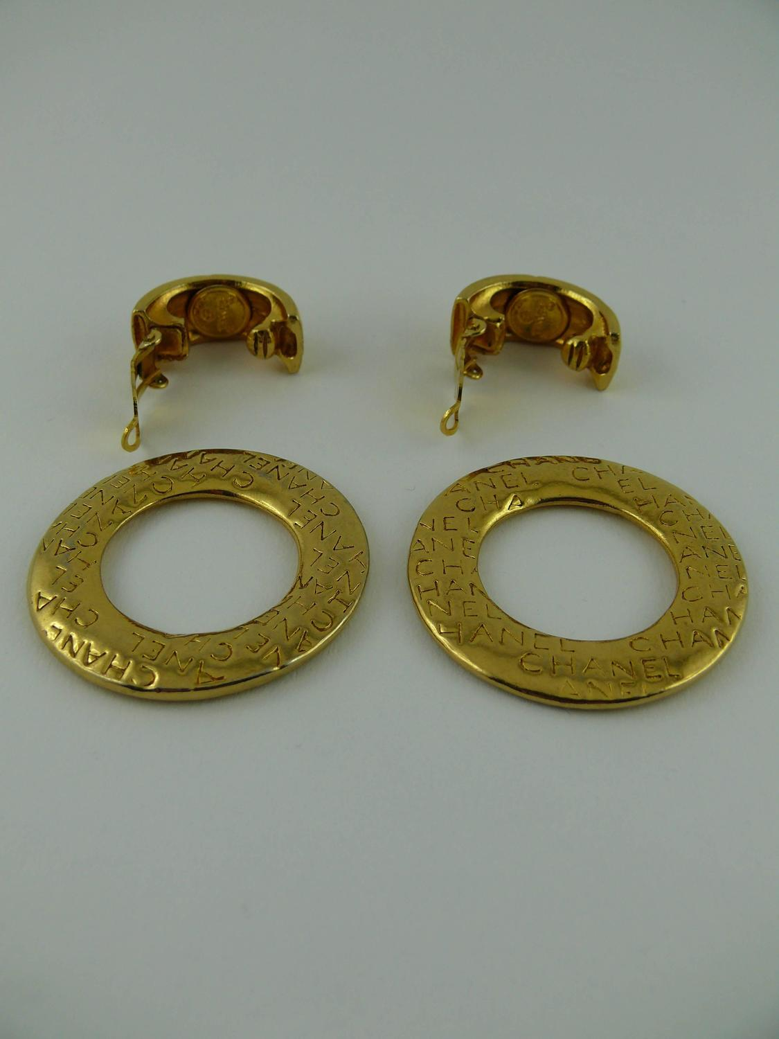 chanel vintage signature clip on hoop earrings 2 ways for