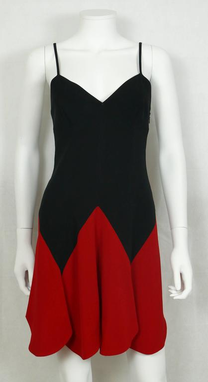 Moschino Vintage Iconic Heart Mini Dress 1990s In Good Condition For Sale In French Riviera, Cote d'Azur