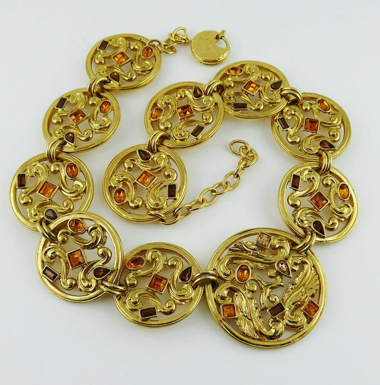 Yves Saint Laurent YSL Vintage Jewelled Openwork Scroll Medallion Necklace In Excellent Condition For Sale In Nice, FR