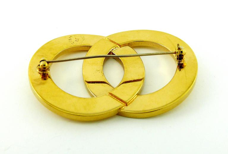 Women's Celine Paris Vintage Gold Toned Double Ring Brooch For Sale