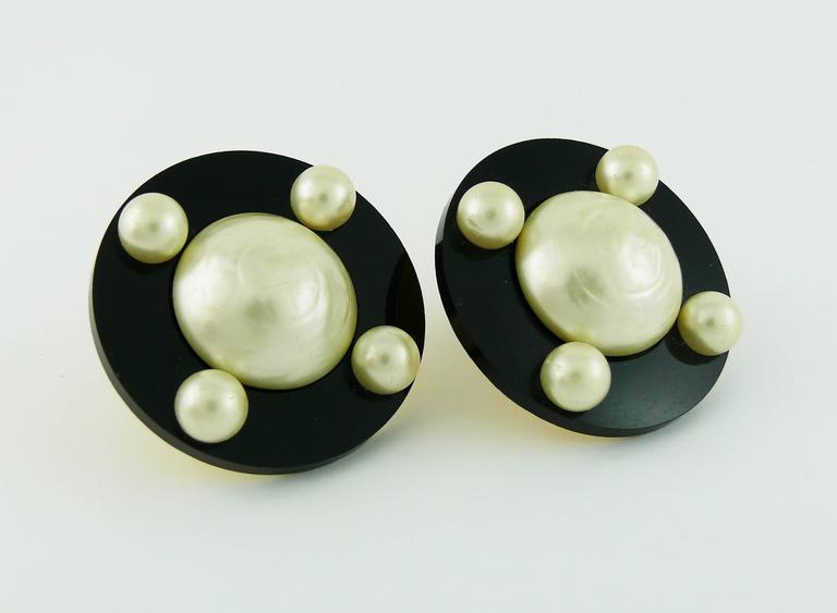 Chanel Vintage Massive Classic Black White Clip-On Earrings 3