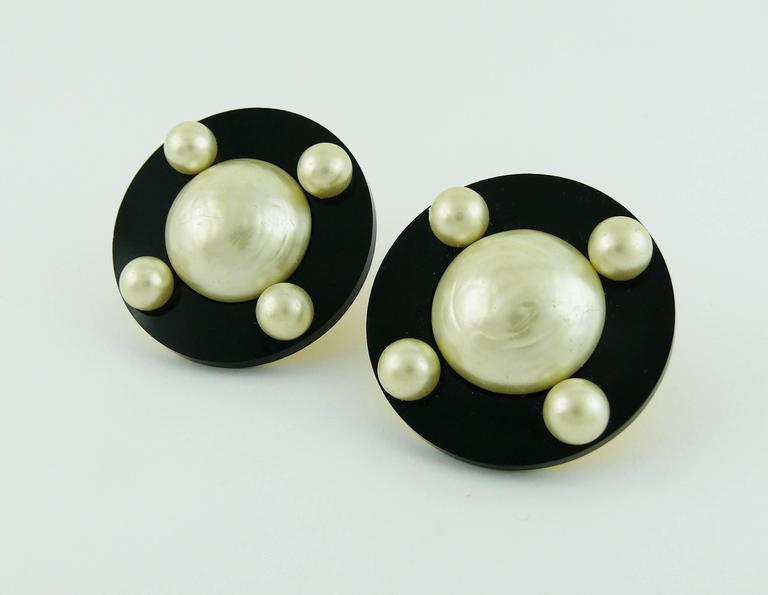 Chanel Vintage Massive Classic Black White Clip-On Earrings 4