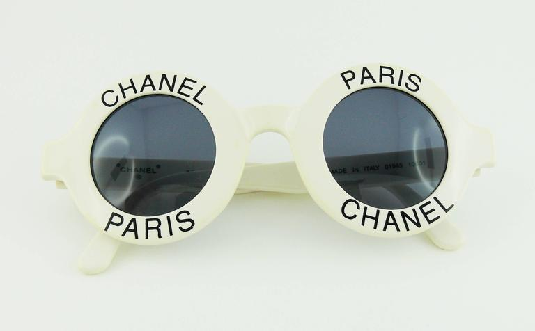 Chanel Extremely Rare Vintage 1990s White Logo Sunglasses In Excellent Condition For Sale In French Riviera, Cote d'Azur