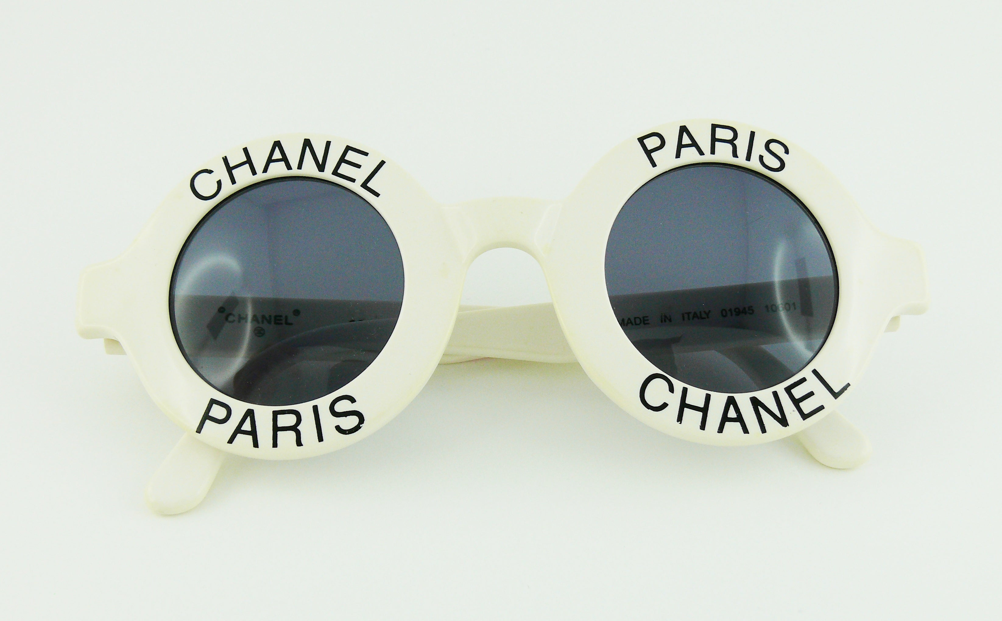 5189568cb1 Chanel Extremely Rare Vintage 1990s White Logo Sunglasses For Sale at  1stdibs