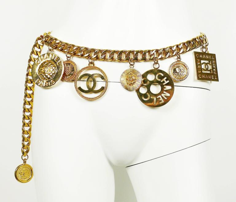 Chanel Vintage 1990s Chunky Gold Toned Chain Belt/Necklace with Charms 4