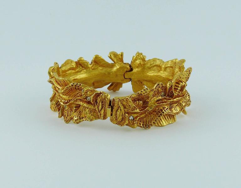 Christian Lacroix Vintage Textured Gold Tone Ribbon Bow Clamper Bracelet For Sale 2