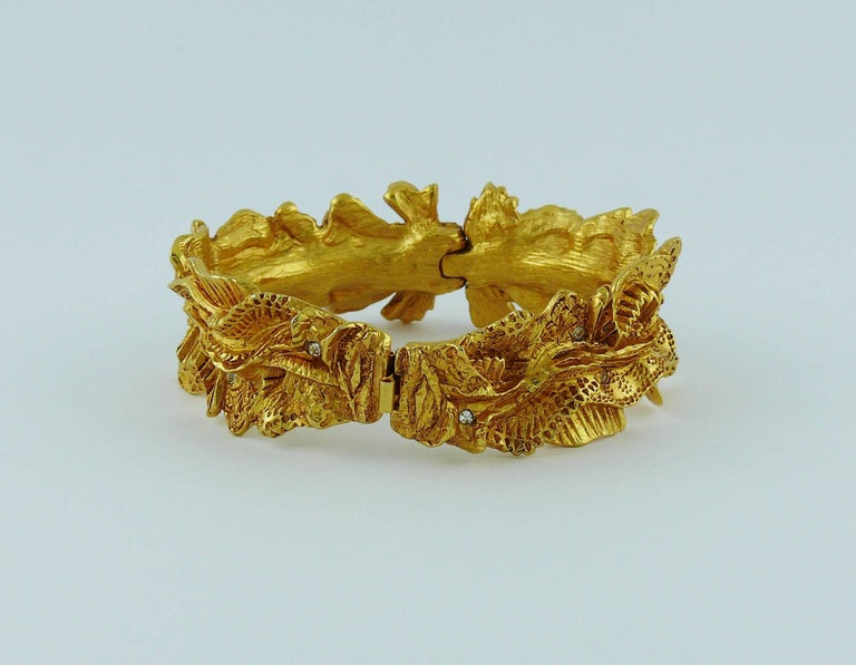 Christian Lacroix Vintage Textured Gold Tone Ribbon Bow Clamper Bracelet 6
