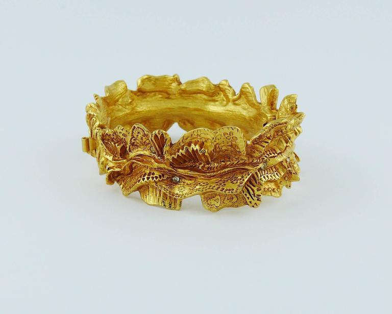 Christian Lacroix Vintage Textured Gold Tone Ribbon Bow Clamper Bracelet For Sale 3