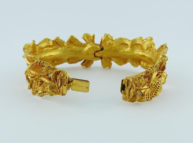 Christian Lacroix Vintage Textured Gold Tone Ribbon Bow Clamper Bracelet For Sale 4