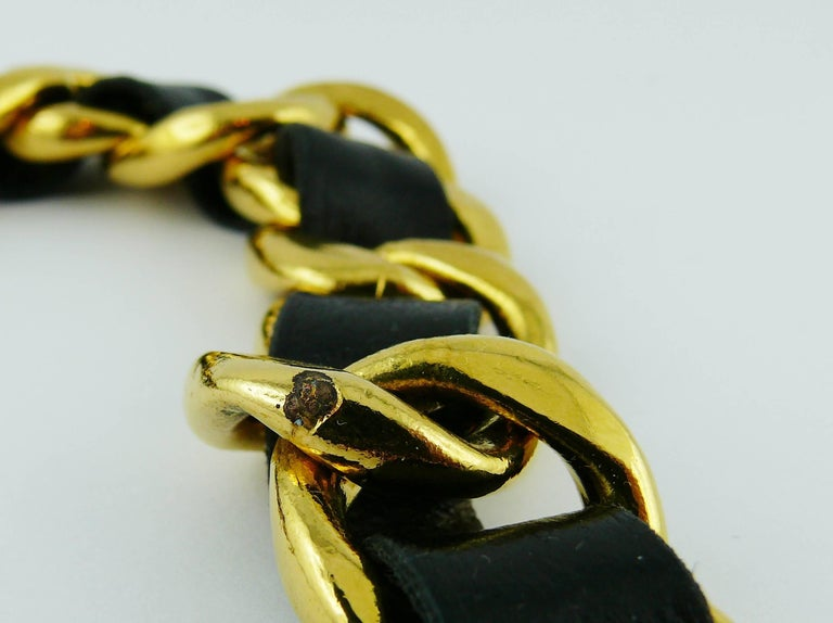 Chanel Vintage 1993 Iconic Gold Toned Chain and Leather Belt with Large CC Logos For Sale 5