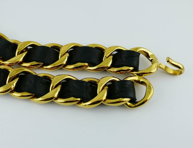 Chanel Vintage 1993 Iconic Gold Toned Chain and Leather Belt with Large CC Logos For Sale 3