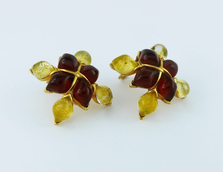 Yves Saint Laurent YSL Vintage Clip-On Earrings with Glass Cabochon In Excellent Condition For Sale In French Riviera, FR