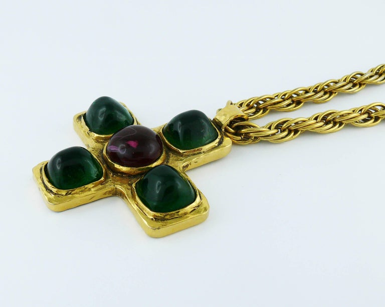Chanel Vintage Iconic 1980s Gripoix Byzantine Cross Pendant Necklace For Sale 1