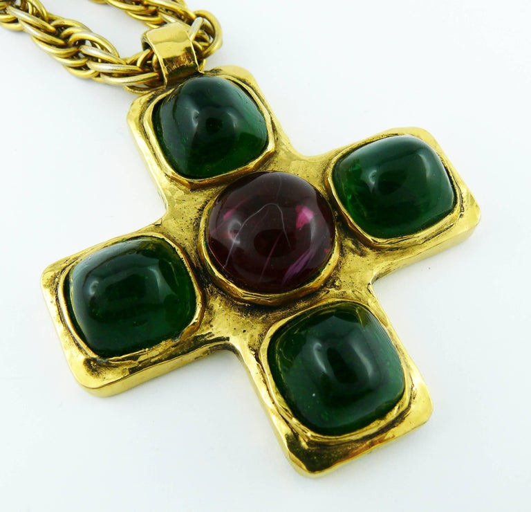 Women's Chanel Vintage Iconic 1980s Gripoix Byzantine Cross Pendant Necklace For Sale
