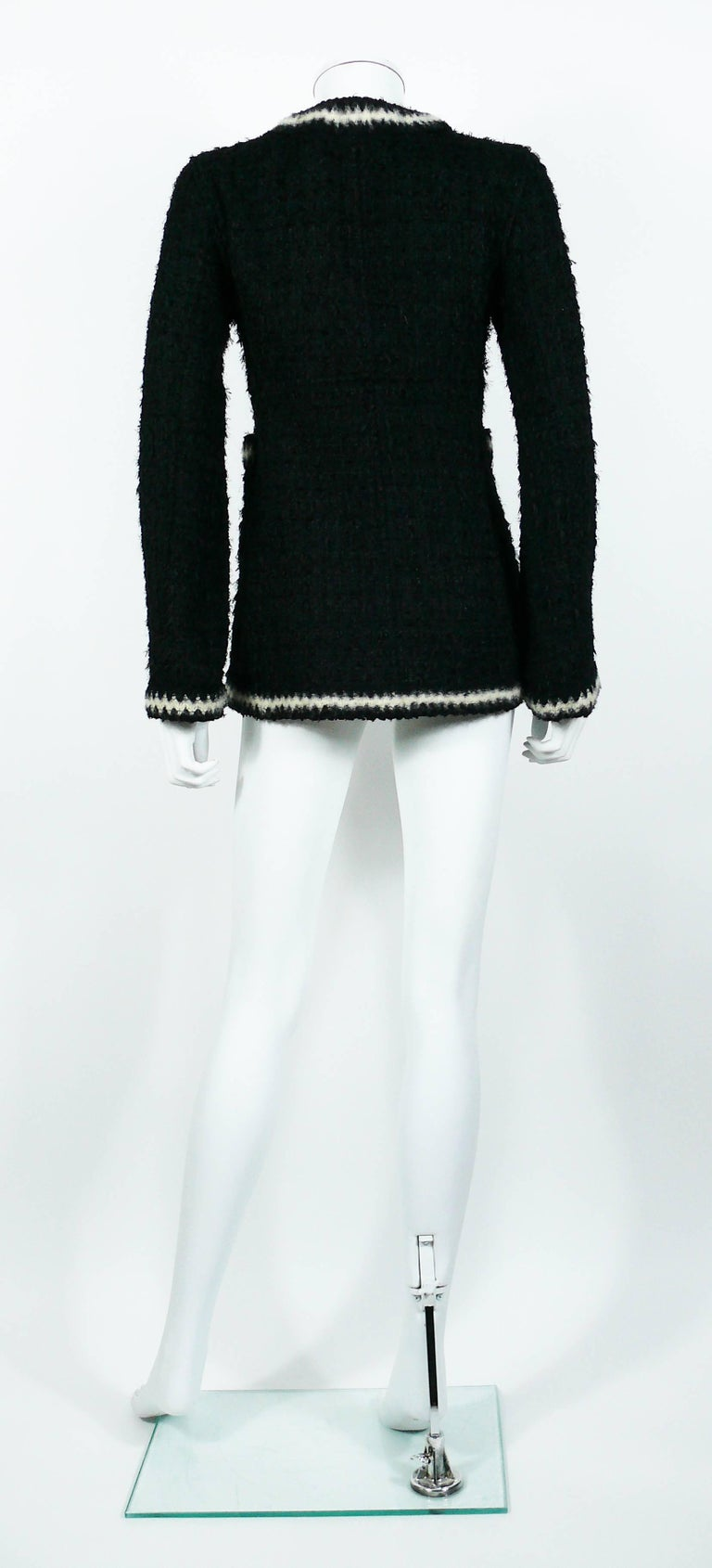 Chanel Vintage Fall 1998 Iconic Black & White Trim Boucle Cardigan Jacket For Sale 3