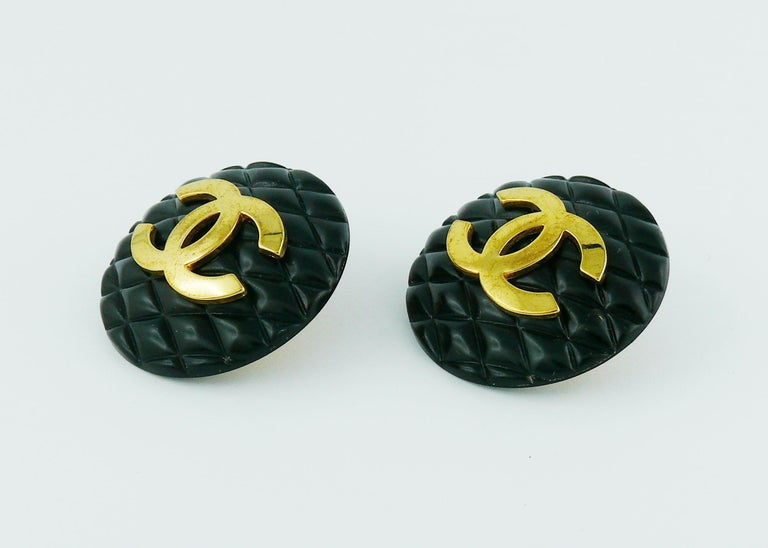 Chanel Vintage 1994 Large Black Quilted Logo Clip-On Earrings For Sale 1