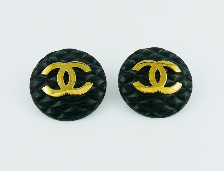 Women's Chanel Vintage 1994 Large Black Quilted Logo Clip-On Earrings For Sale