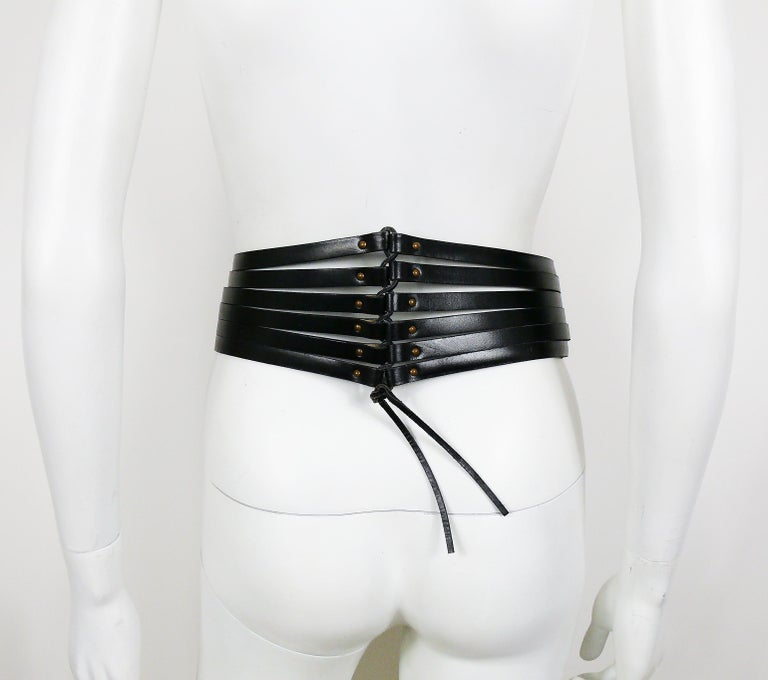 Alaia Vintage Black Leather Corset Belt In Good Condition For Sale In Nice, FR