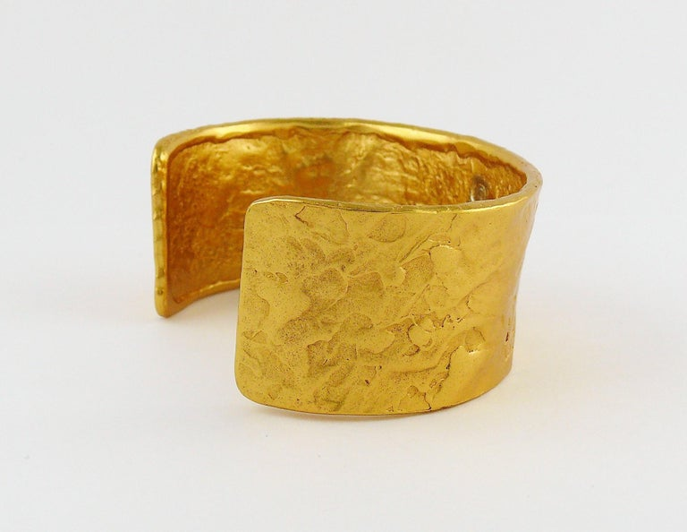 624a54d3a15 Yves Saint Laurent Vintage Love Heart Hammered Cuff Bracelet In Good  Condition For Sale In Nice