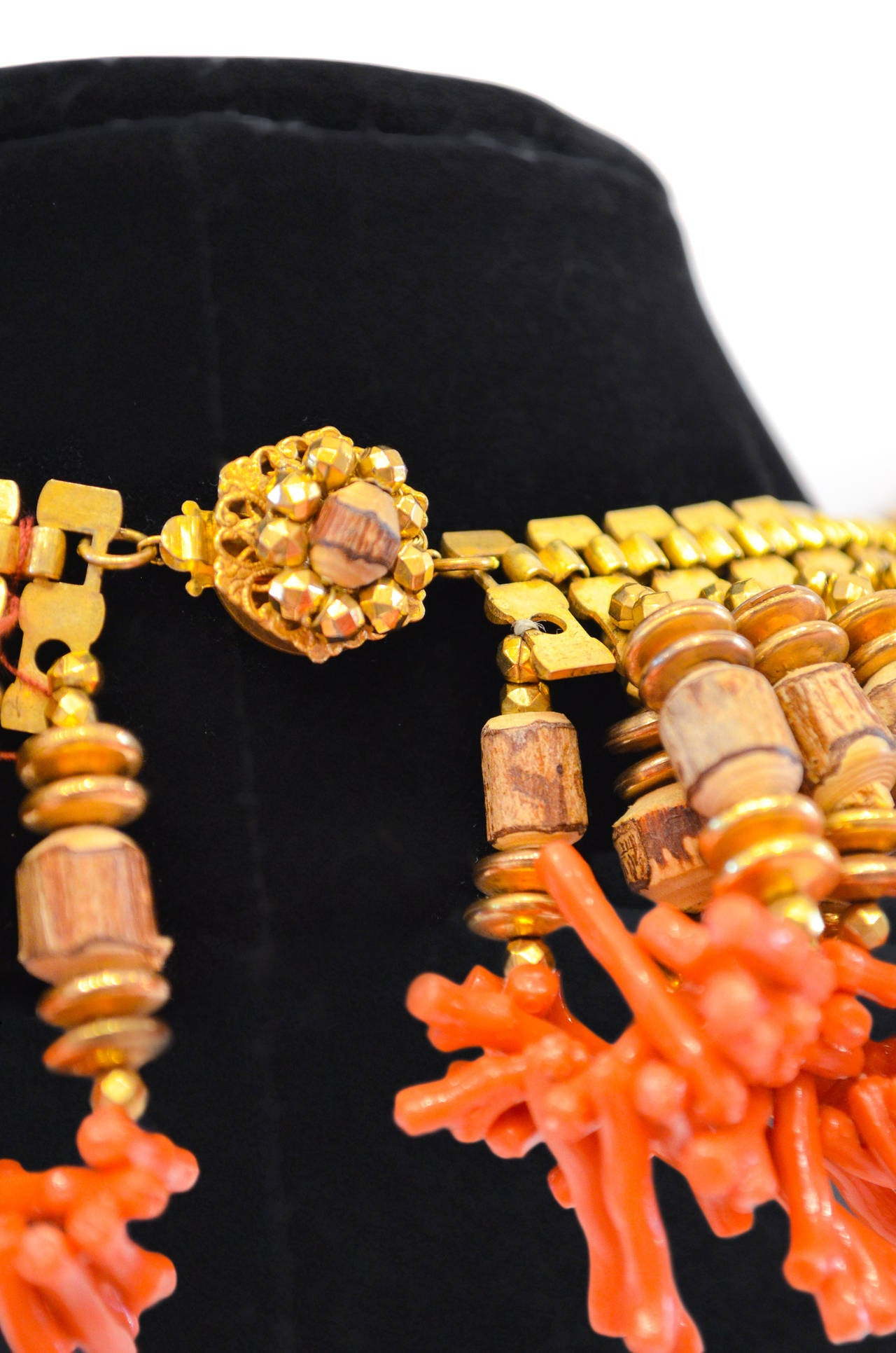 Miriam Haskell Fringe Bib Necklace In Good Condition For Sale In Palm Beach, FL