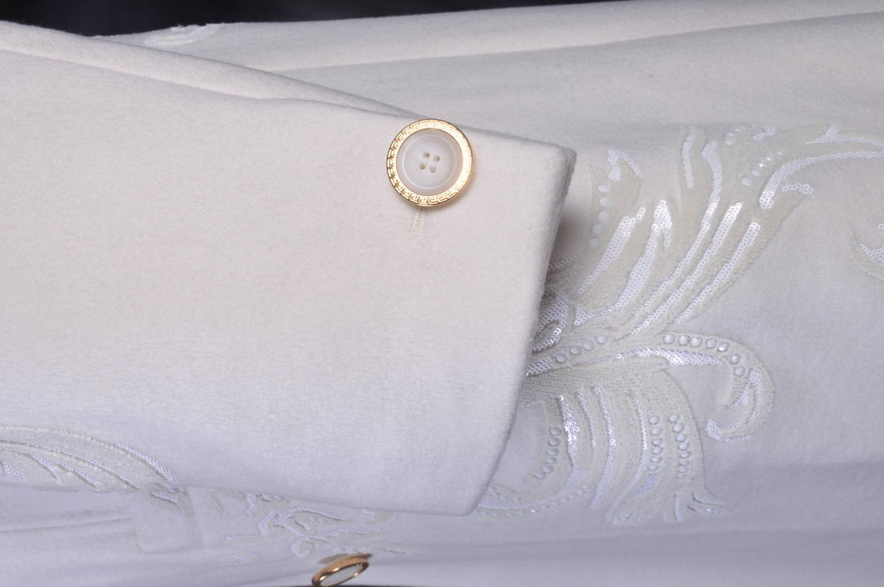New VERSACE WHITE 100% CASHMERE EMBELLISHED MEN's COAT For Sale 1