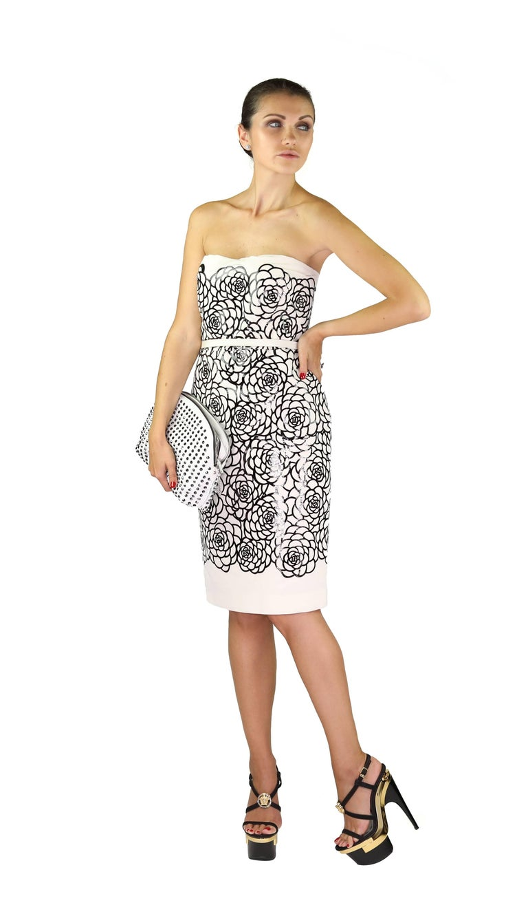 Women's ALEXANDER MCQUEEN Silk and Laser-cut patent-leather dress For Sale