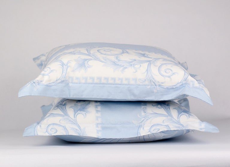 SET of TWO VERSACE BLUE WHITE BAROCCO PRINT PILLOWS In New Condition For Sale In Montgomery, TX