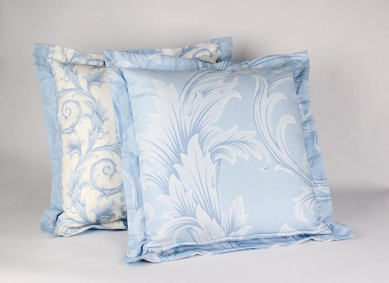 To those who require nothing less than absolute luxury here's  BRAND NEW VERSACE PILLOWS  The set includes: TWO pillows  100% Cotton   Baroque print   Size is 14