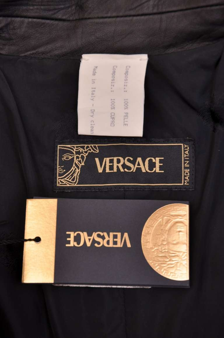 New VERSACE BLACK LEATHER COAT with FRINGE For Sale 4